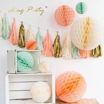 Бумажный декор для праздника (готовые наборы)