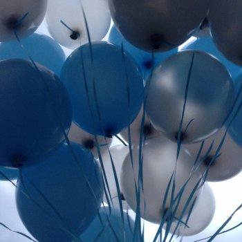 100 воздушных шариков